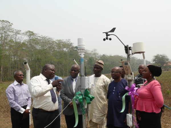 Commissioning of the ATMOS 41 Automatic Weather Station of TAHMO.